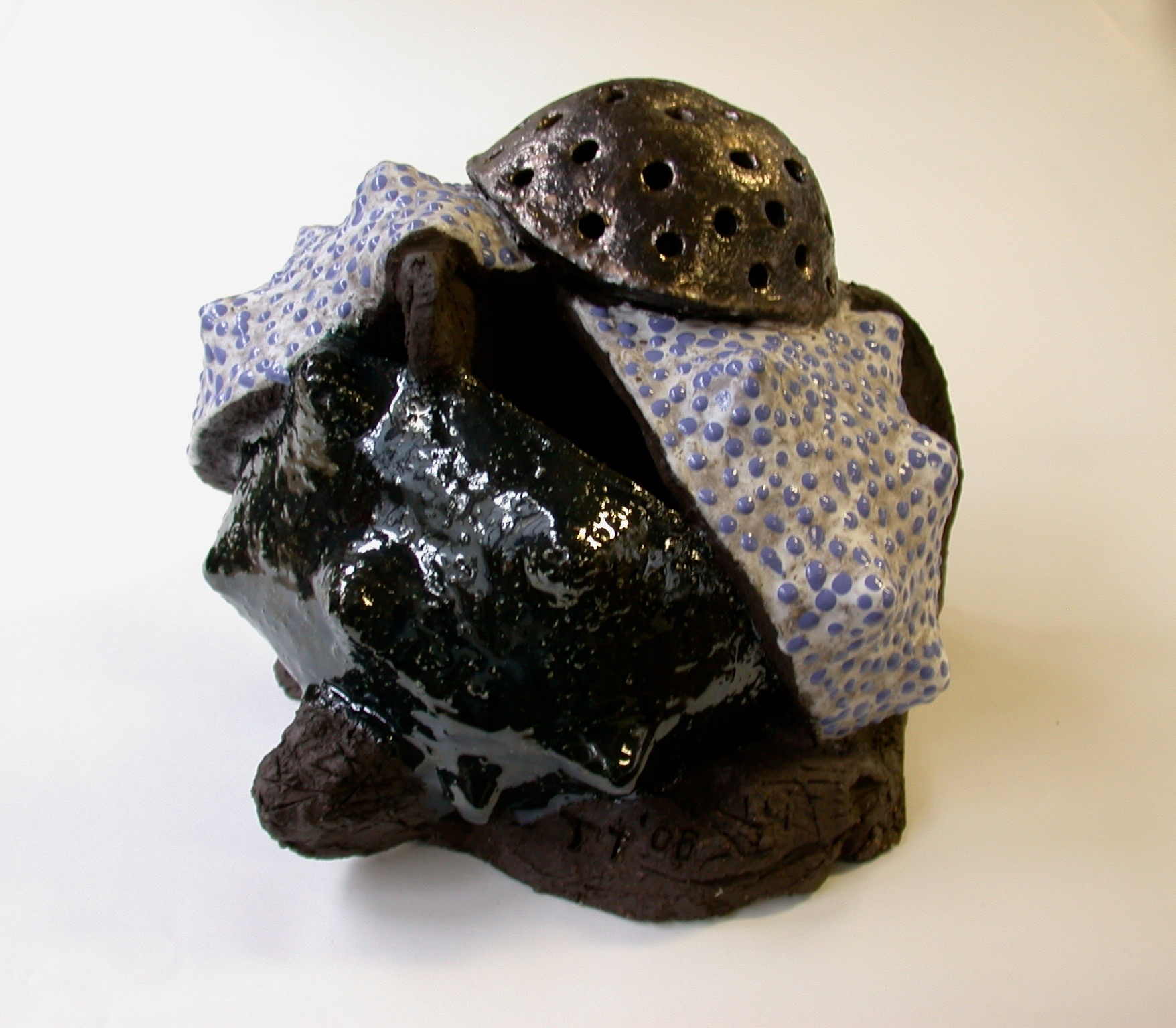 Ovule, ceramic with glazes, 2006